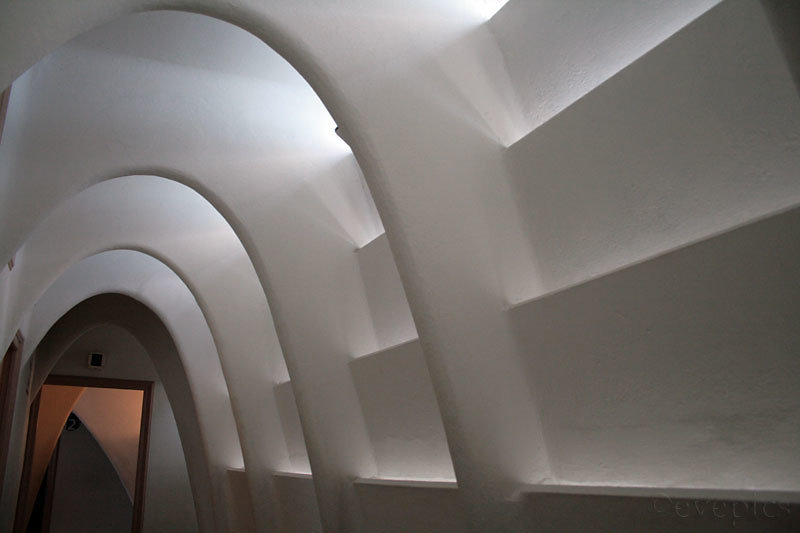 Casa Batlló Dachgeschoss Ellipsenbögen