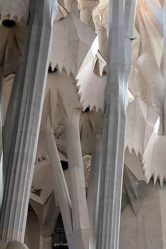 Sagrada Familia Säulenwald