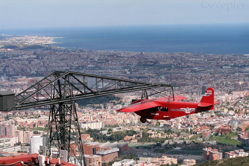Tibodabo-Flieger über Barcelona